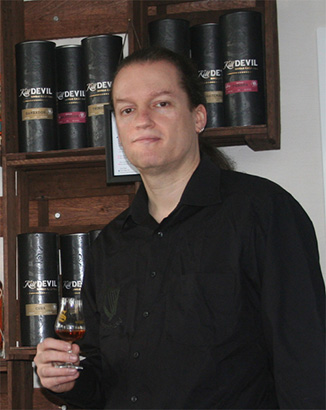 Der zertifizierte Whisky-Abassador Bernhard Knerr berät persönlich vor Ort