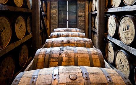 Persönliche Beratung von Rum, Whisky, Port und Sherry im Ladenlokal Zweibrücken