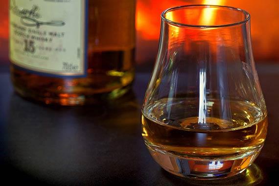 Whiskytasting als Erlebnis eines romantischen Abdens mit Freunden in Zweibrücken